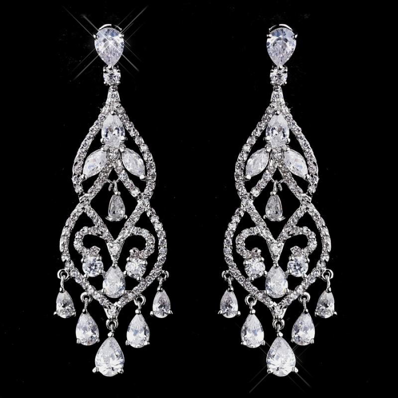 Style With Elegance Chandelier Earrings Metroholica